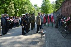 Połączona delegacja ZWiR WP oraz ZŻ WP składa kwiaty